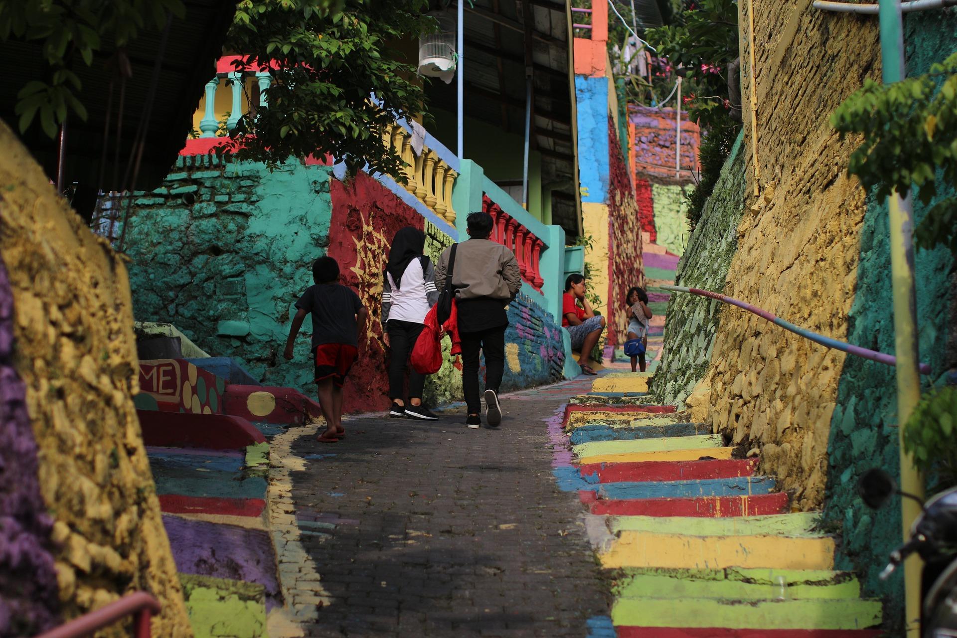 rainbow-village-3526350_1920-1